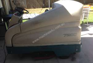 ride on scrubber TENNANT cheap $500