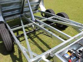Ozzi 10x6 Hydraulic Tipper Trailer - picture18' - Click to enlarge