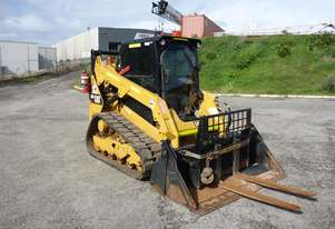 2016 Caterpillar 259D Rubber Tracked Enclosed Compact Track Loader in Auction