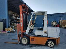 Forklift, Gas, 5700 lift height - picture1' - Click to enlarge