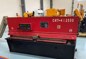 USED CMT HYDRAULIC GUILLOTINE | 4MM CAPACITY | 2500MM LENGTH | SWING BEAM