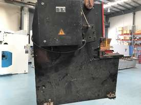 CMT 4 x 2500mm Guillotine - picture2' - Click to enlarge