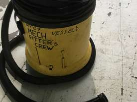 Karcher Wet & Dry Vacuum Cleaner Electric 240 Volt Model NT 27/1 - picture2' - Click to enlarge