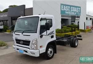2018 Hyundai MIGHTY EX6  Cab Chassis
