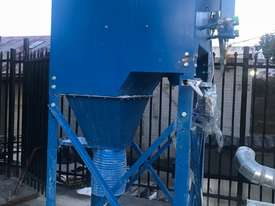 Pulse Dust Extractor with ducting - picture0' - Click to enlarge