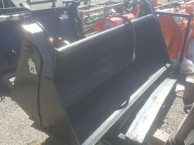 Challenge 4 in 1  Bucket Land Carry Grader/Bucket Tillage Equip - picture0' - Click to enlarge