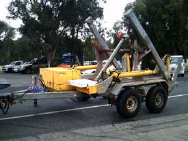 6.5 ton cable drum trailer , 140 hrs , drum drive , 13hp honda , hydrailc jack leg - picture1' - Click to enlarge