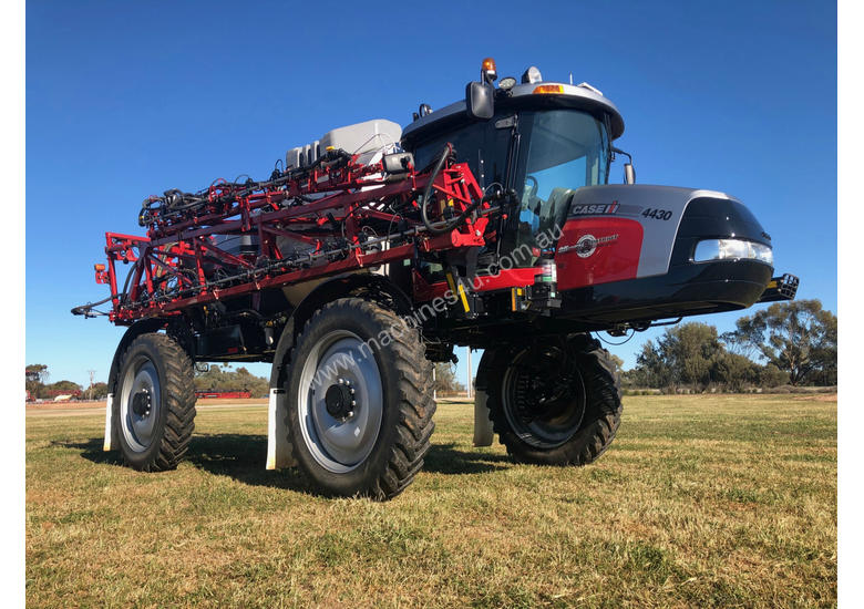 Case IH 4430 Boom Spray Sprayer