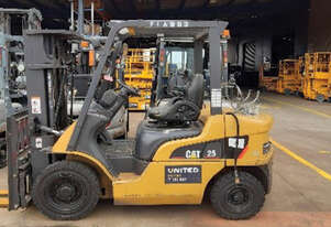 Used 2.5T Cat LPG Forklift GP25NT