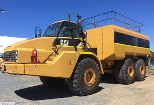 Caterpillar   740 Water Truck
