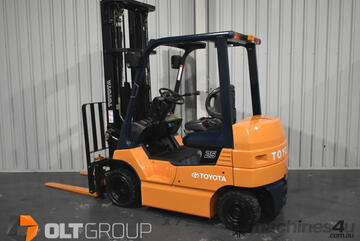 Toyota 7FB25 2.5 Tonne Electric Forklift 6000mm Mast with Sideshift and Fork Positioner 2881 Hours
