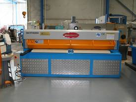 STEELMASTER 2500MM X PANBRAKE GUILLOTINE COMBO - picture8' - Click to enlarge