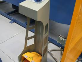 STEELMASTER 2500MM X PANBRAKE GUILLOTINE COMBO - picture2' - Click to enlarge