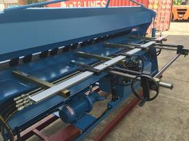 STEELMASTER 2500MM X PANBRAKE GUILLOTINE COMBO - picture13' - Click to enlarge