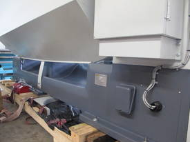 � 660mm Swing Centre Lathe, 104mm Spindle Bore, up to 4m BC - picture14' - Click to enlarge