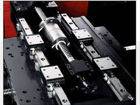 LEADWELL T-6/T-6M SLANT BED LINEAR GUIDE CNC LATHE - picture4' - Click to enlarge