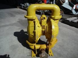 VERSA-MATIC 2INCH DIAPHRAGM PUMP/ AIR DRIVEN - picture1' - Click to enlarge