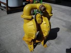 VERSA-MATIC 2INCH DIAPHRAGM PUMP/ AIR DRIVEN - picture2' - Click to enlarge