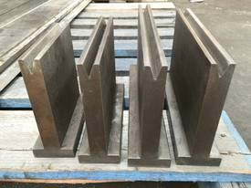 USED Quality Bottom 12mm Vee - 880mm Long - picture1' - Click to enlarge
