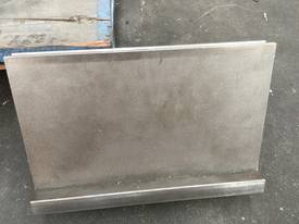 USED Quality Bottom 12mm Vee - 880mm Long - picture0' - Click to enlarge