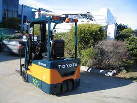 Toyota 1.5t  Forklift with Container Mast - picture3' - Click to enlarge