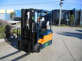 Toyota 1.5t  Forklift with Container Mast - picture6' - Click to enlarge