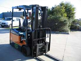 Toyota 1.5t  Forklift with Container Mast - picture7' - Click to enlarge