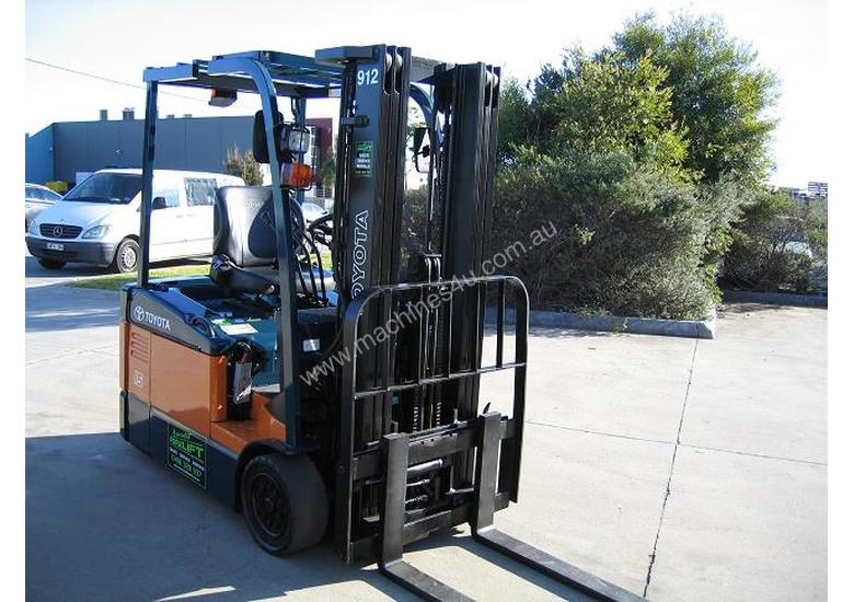 Toyota 1.5t  Forklift with Container Mast