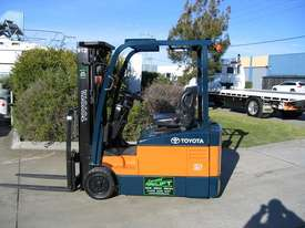 Toyota 1.5t  Forklift with Container Mast - picture12' - Click to enlarge