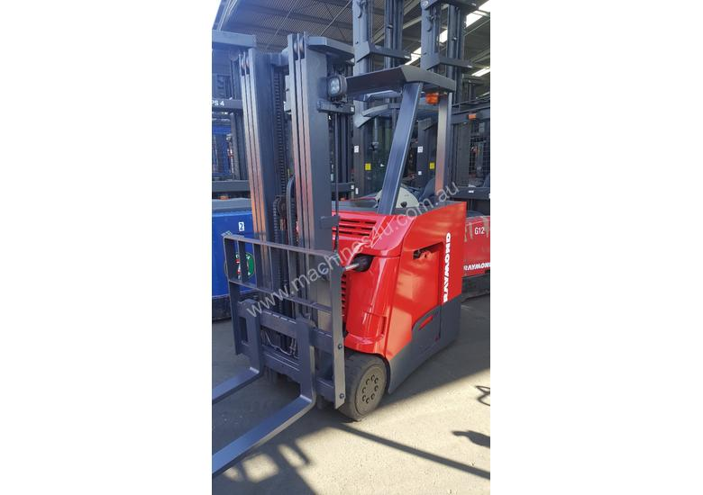 Used 2013 Raymond 42535 Narrow Aisle Forklift In Fairfield