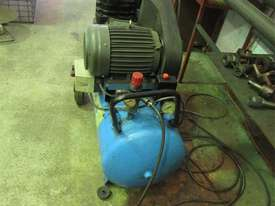 Air Compressor Portable 3 phase 4Hp Falcon SIP  - picture1' - Click to enlarge