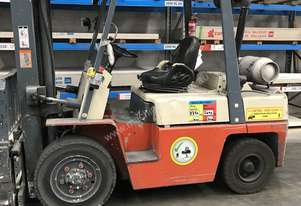 Nissan 3.5 Ton forklift with sideshift