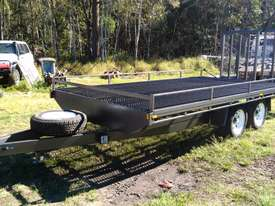 NEAR  NEW 4.5 TON 5.5M PLANT TRAILER W/ RAMPS  - picture0' - Click to enlarge