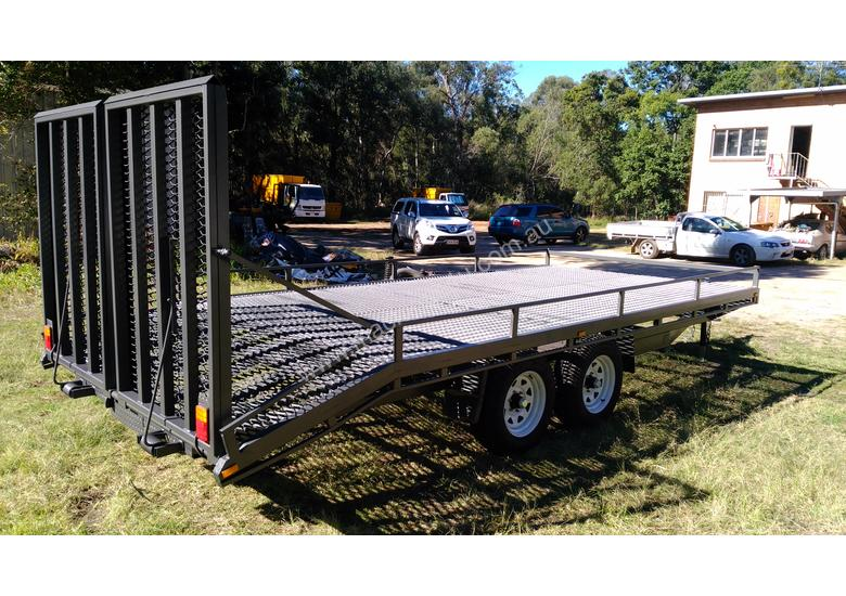 NEAR  NEW 4.5 TON 5.5M PLANT TRAILER W/ RAMPS