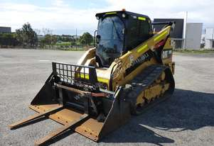 2016 Caterpillar 289D Rubber Tracked Enclosed Compact Track Loader in Auction