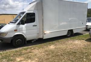 2001 Mercedes benz sprinter van