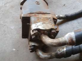 USA Fairfield Hydraulic Motor 995-70599 and Planetary Drive  W6C71Z432 Unit Weight : 160 kg - picture1' - Click to enlarge
