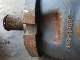 USA Fairfield Hydraulic Motor 995-70599 and Planetary Drive  W6C71Z432 Unit Weight : 160 kg - picture2' - Click to enlarge