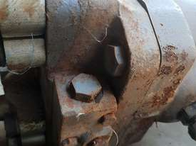 USA Fairfield Hydraulic Motor 995-70599 and Planetary Drive  W6C71Z432 Unit Weight : 160 kg - picture5' - Click to enlarge