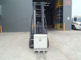 Crown Electric Forklift 6.2m Mast - picture2' - Click to enlarge