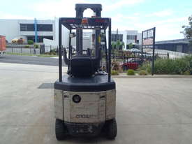Crown Electric Forklift 6.2m Mast - picture3' - Click to enlarge