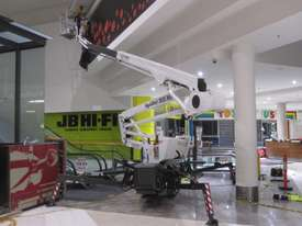 PB2210 - 22m Crawler Mounted Spider Lift - picture15' - Click to enlarge
