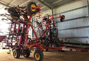 Bourgault 8910 Cultivators Tillage Equip