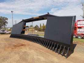 Homan 24' Drive In Stick Rake - picture0' - Click to enlarge