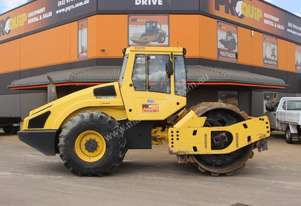 BOMAG BW213PDH-4 VIBRATING PAD FOOT ROLLER