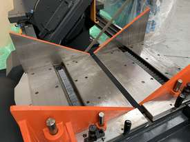 Cosen Vertical Mitre Cutting Bandsaw - picture2' - Click to enlarge