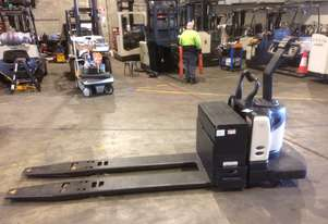 Electric Forklift Rider Pallet PE Series 2006