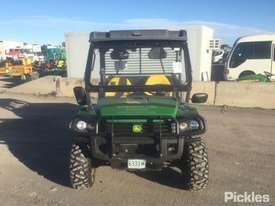 2015 John Deere Gator 825i - picture1' - Click to enlarge