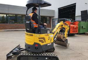 2017 NEW HOLLAND E17C 1.7T MINI-EXCAVATOR WITH LOW 459 HOURS