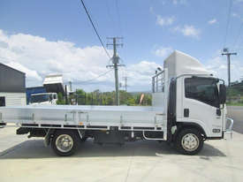 Isuzu NPR 65/45-190 Tray Truck - picture2' - Click to enlarge